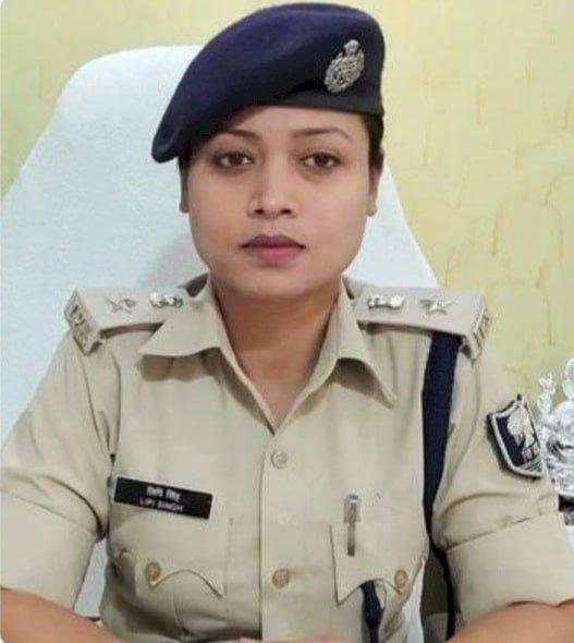 मुंगेर पुलिस फायरिंग मामला: EC के निर्देश पर 'जनरल डायर' SP लिपि सिंह और DM हटाये गये, काम नहीं आयी  गवर्नमेंट तक पहुंच